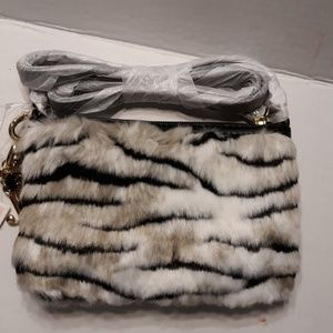 Juicy Couture Bags - NWT Beautiful Juicy Couture Ziger Faux Fur Xbody